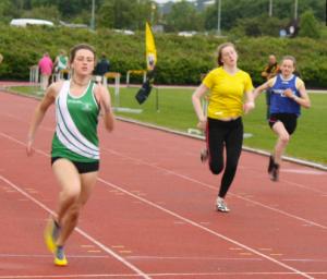 junior 100m; Sophie Becker   winner