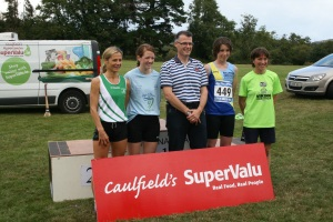 womens race winners with Tomás Caulfield (Sponsor)